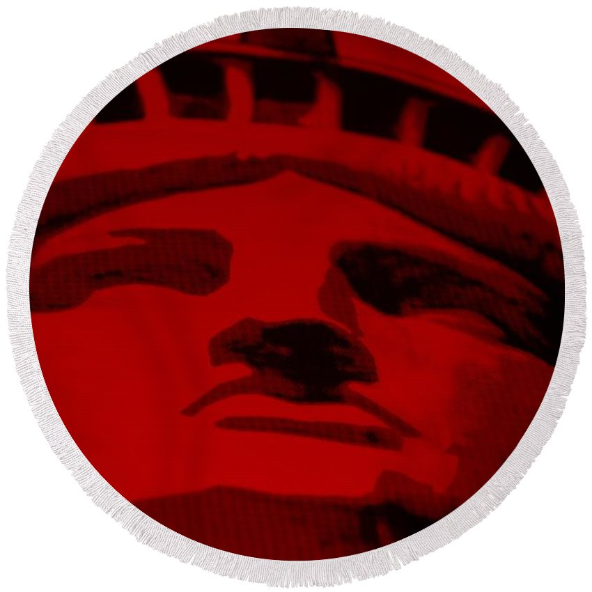 Statue Of Liberty Round Beach Towel featuring the photograph Statue Of Liberty In Red by Rob Hans