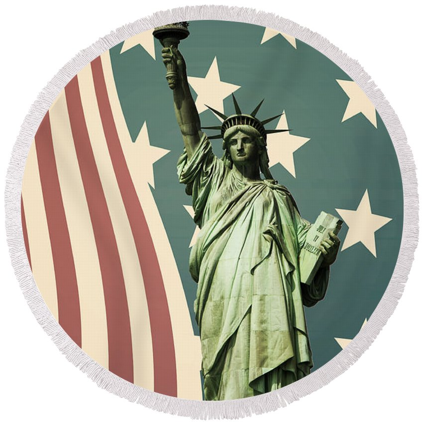 America Round Beach Towel featuring the photograph Statue Of Liberty by Juli Scalzi