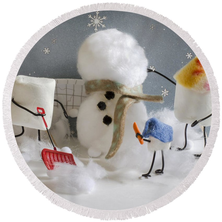 Marshmallows Round Beach Towel featuring the photograph Stay Puff Snowman by Heather Applegate