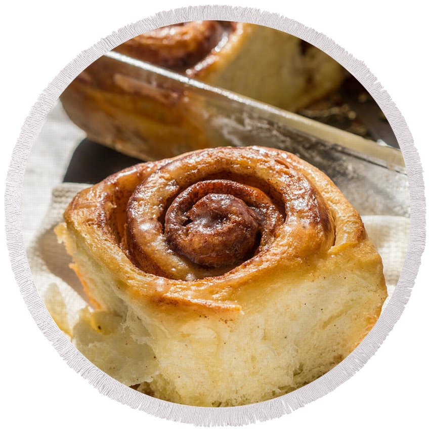 Sticky Round Beach Towel featuring the photograph Sticky Cinnamon Buns by Edward Fielding