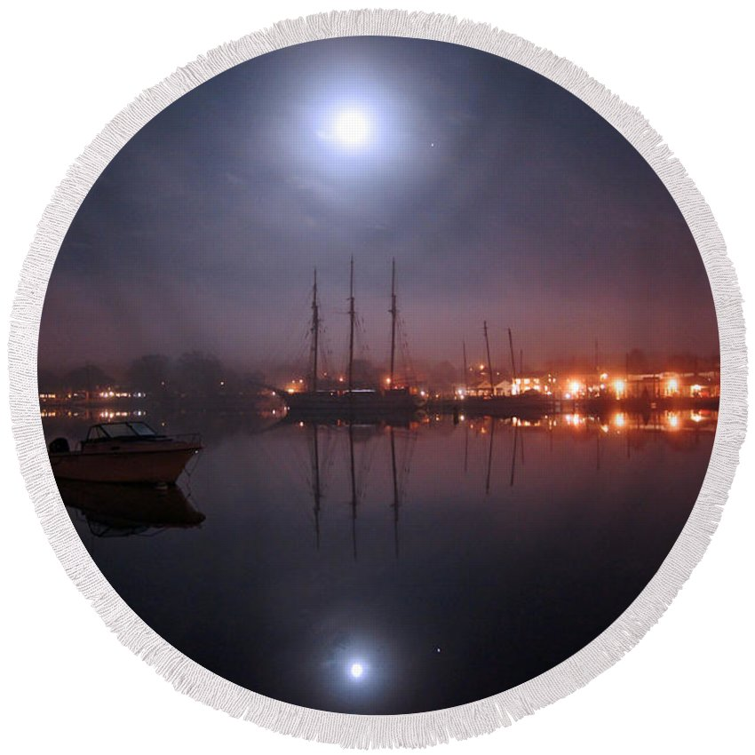 Boat Round Beach Towel featuring the photograph Still Of The Night by Joe Geraci