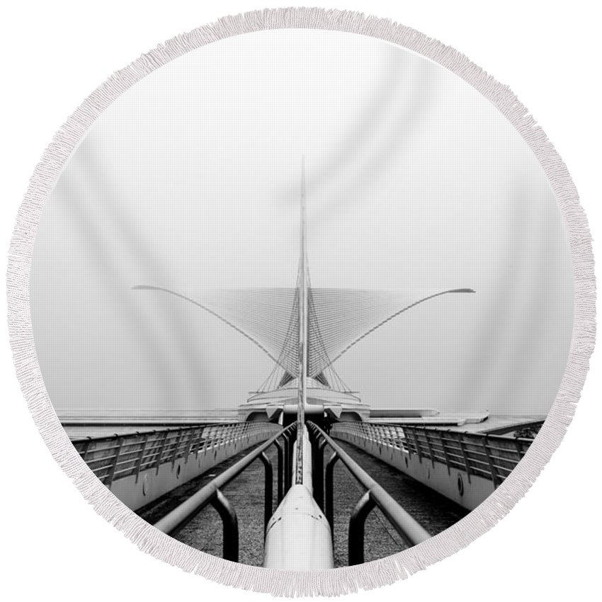 Lake Shore State Park Round Beach Towel featuring the photograph Stretching View For Stretching Wings by Andrew Slater