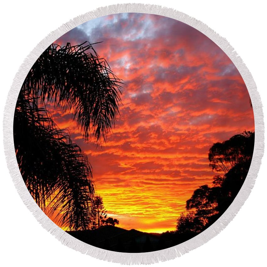 Sun Round Beach Towel featuring the photograph Stunning Sunset by Darren Burton
