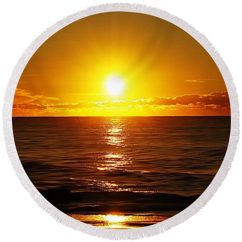 Nature Round Beach Towel featuring the photograph Sun 7 by Ben Yassa