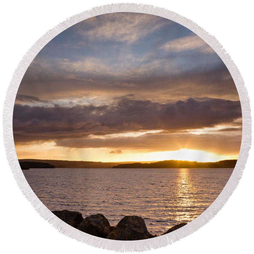 Northumberland Round Beach Towel featuring the photograph Sun Sets On Kielder Reservoir by David Head