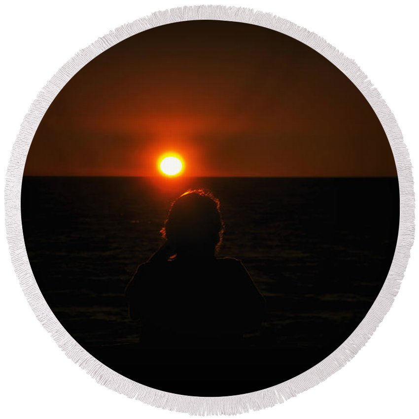 Lake Michigan Round Beach Towel featuring the photograph Sundown Alone by Thomas Woolworth