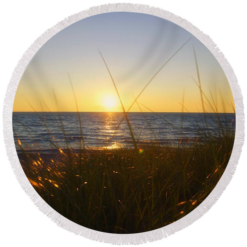 Lake Michigan Round Beach Towel featuring the photograph Sundown Jogging by Thomas Woolworth