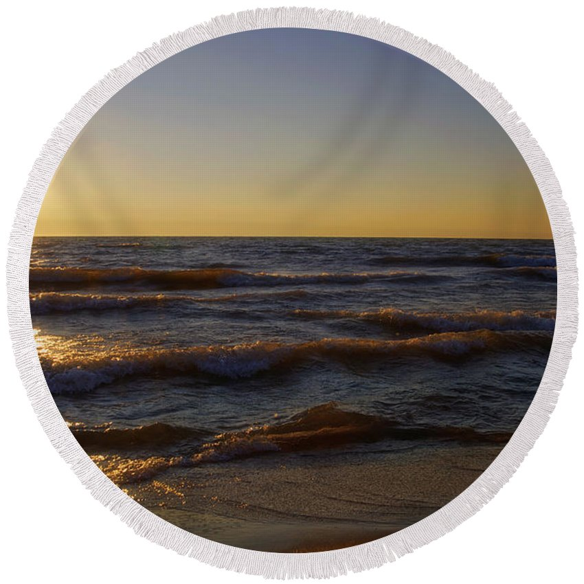 Lake Michigan Round Beach Towel featuring the photograph Sundown Scintillate On The Waves by Thomas Woolworth