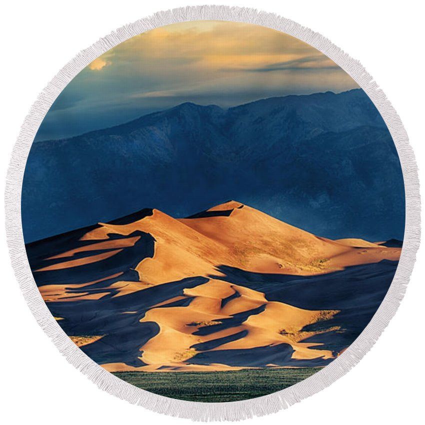 Sunrise At Great Sand Dunes Round Beach Towel featuring the photograph Sunrise At Great Sand Dunes by Priscilla Burgers