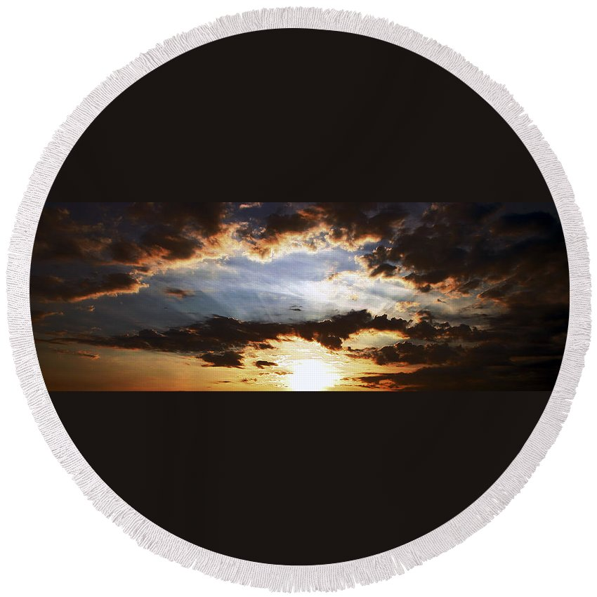 Sunrise Round Beach Towel featuring the photograph Sunrise Heaven by Scott Perkins
