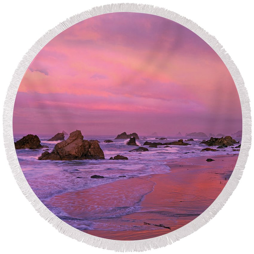 Oregon Round Beach Towel featuring the photograph Sunrise On Sea Stacks Harris Sb Oregon by Dave Welling