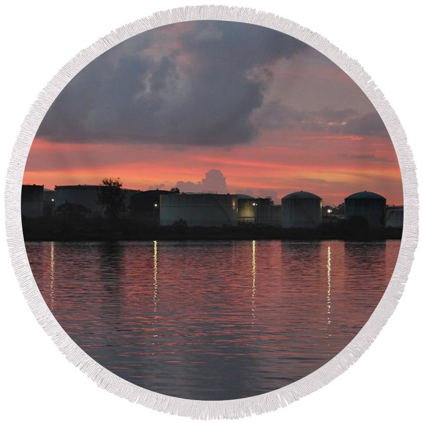 Wilmington Round Beach Towel featuring the photograph Sunrise Over Cape Fear River by Cynthia Guinn