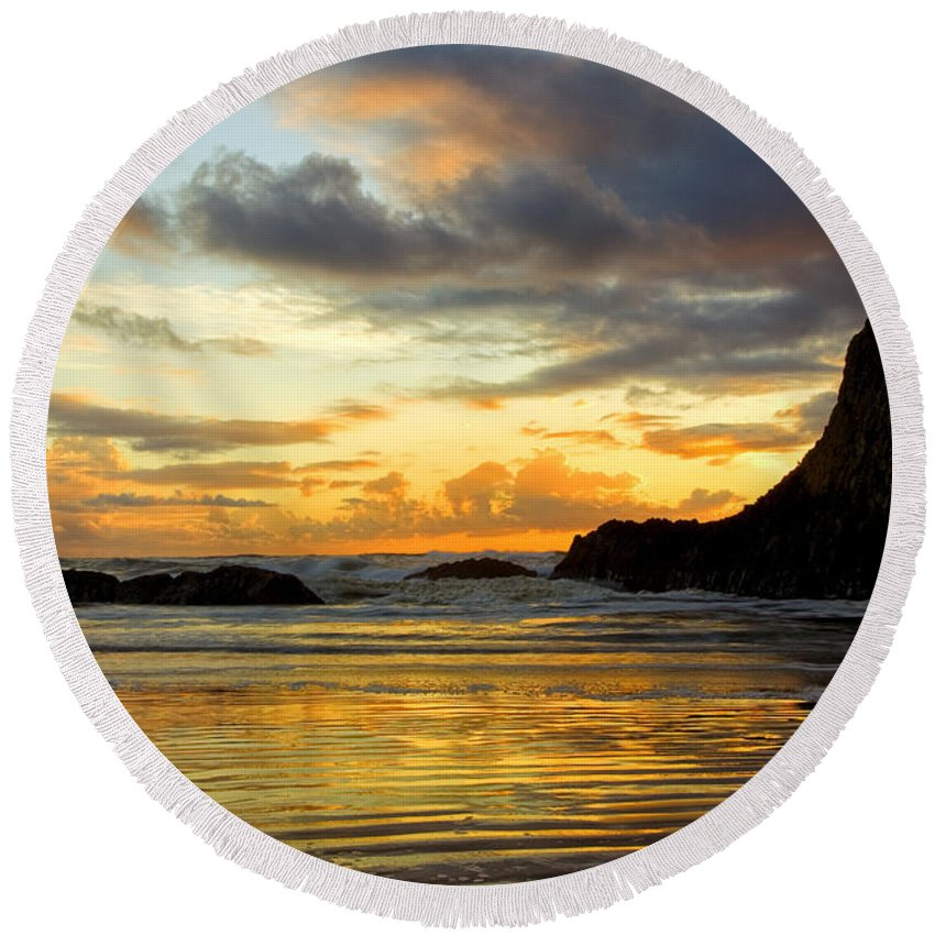 Seal Rock Round Beach Towel featuring the photograph Sunset And Seal Rock by Diana Powell