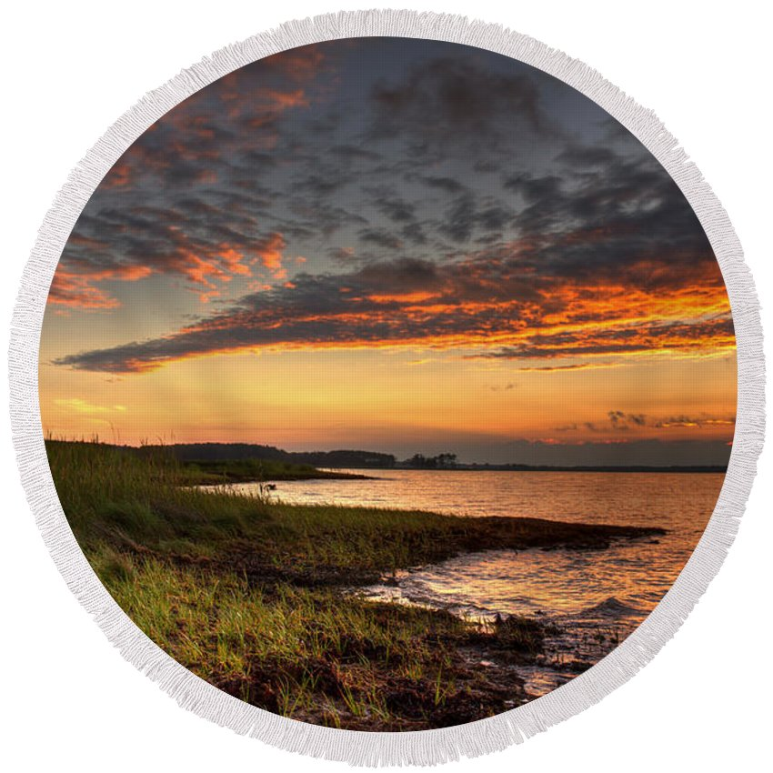 Kent Round Beach Towel featuring the photograph Sunset At Kent Narrows by Mark Dignen