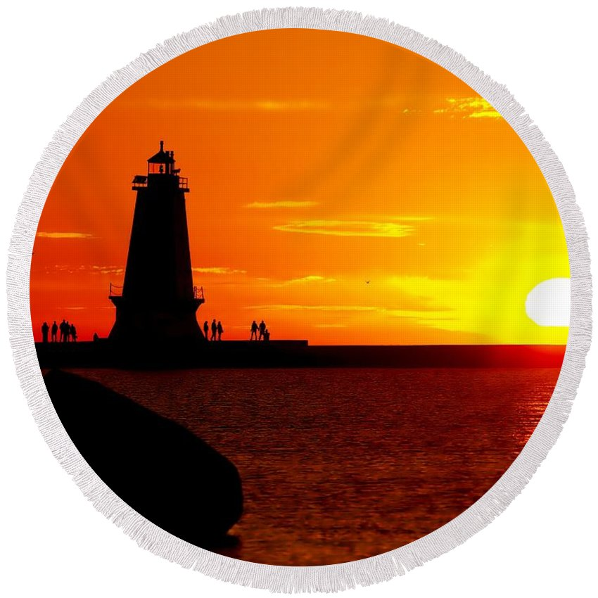 America Round Beach Towel featuring the photograph Sunset At Ludington by Nick Zelinsky