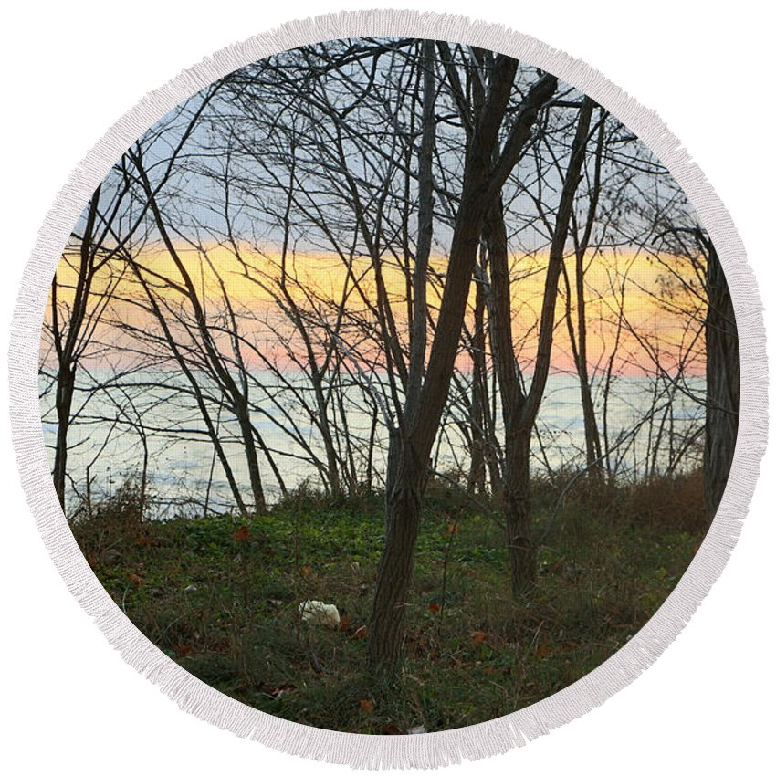 Centre Island Round Beach Towel featuring the photograph Sunset At The Island by Munir Alawi