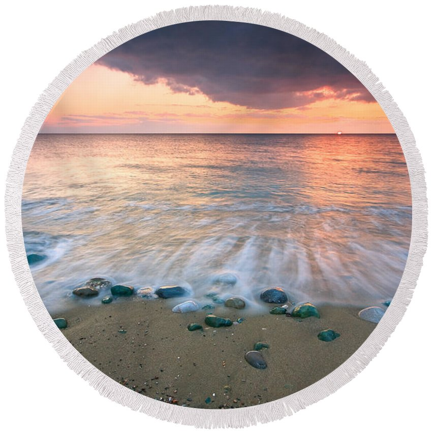 Greece Round Beach Towel featuring the photograph Sunset Beach by Milan Gonda