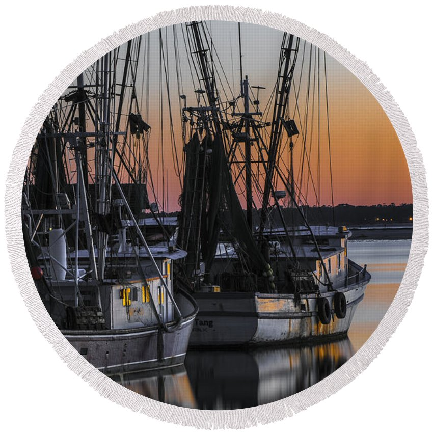 Sunset Round Beach Towel featuring the photograph Shem Creek Sunset - Charleston Sc by Dale Powell