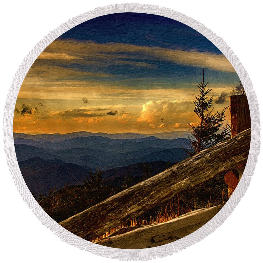 Sunset Round Beach Towel featuring the painting Sunset On Top Of Mount Mitchell by John Haldane
