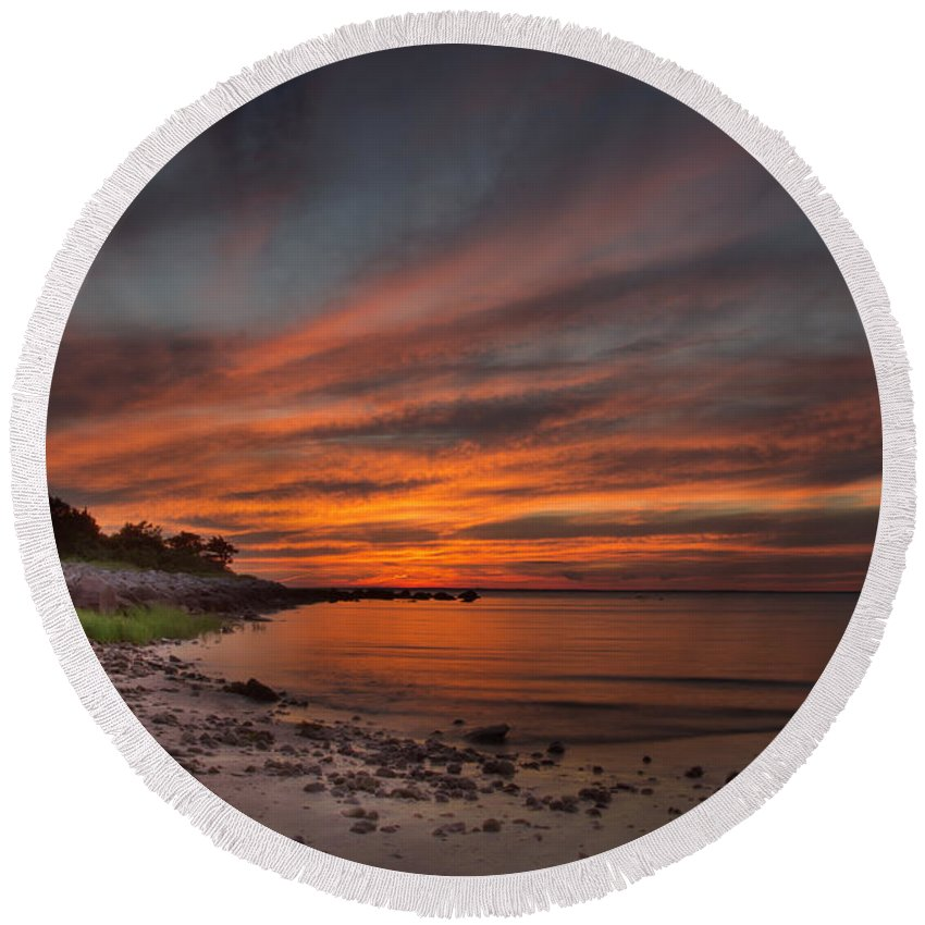 Sunset Photographs Round Beach Towel featuring the photograph Sunset Over Buzzards Bay by Jonathan Steele