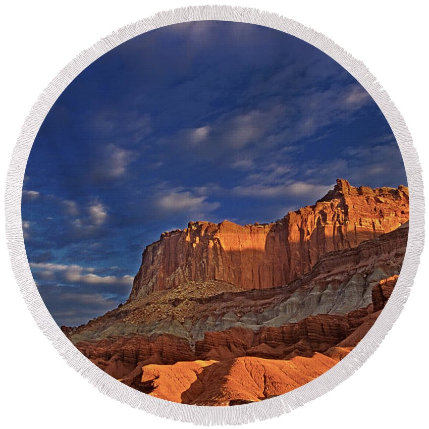 North America Round Beach Towel featuring the photograph Sunset Over The Waterpocket Fold Capitol Reef National Park by Dave Welling