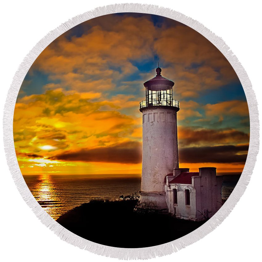 Lighthouse Round Beach Towel featuring the photograph Sunset by Robert Bales