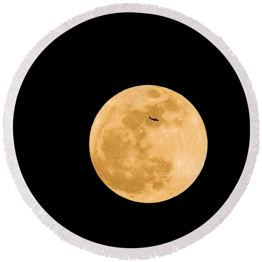Astronomy Round Beach Towel featuring the photograph Super Moon With Airliner Silhouette by Millard H. Sharp