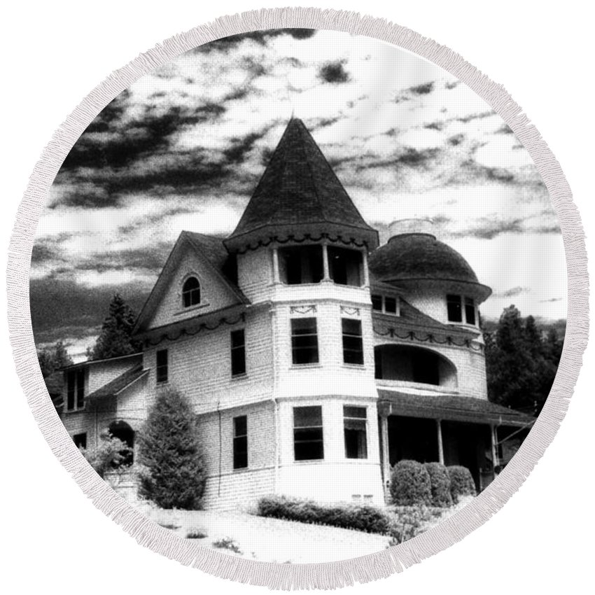 Mackinac Island Michigan Round Beach Towel featuring the photograph Surreal Black White Mackinac Island Michigan Infrared Victorian Home by Kathy Fornal
