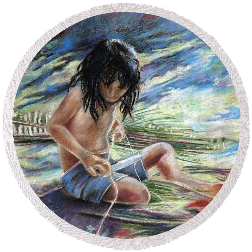 Travel Round Beach Towel featuring the painting Tahitian Boy With Knife by Miki De Goodaboom