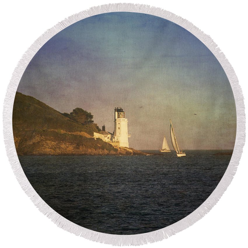 Landscape Round Beach Towel featuring the photograph Taking The Short Cut by Brian Roscorla