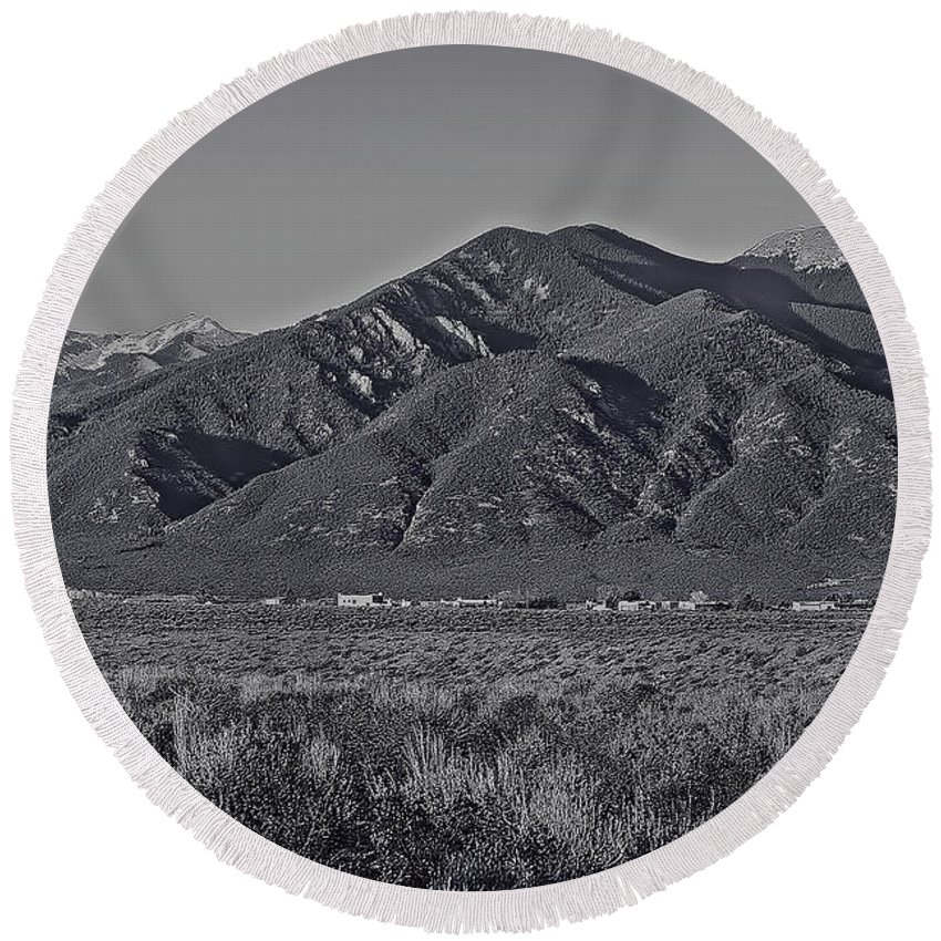 Taos Round Beach Towel featuring the photograph Taos In Black And White II by Charles Muhle