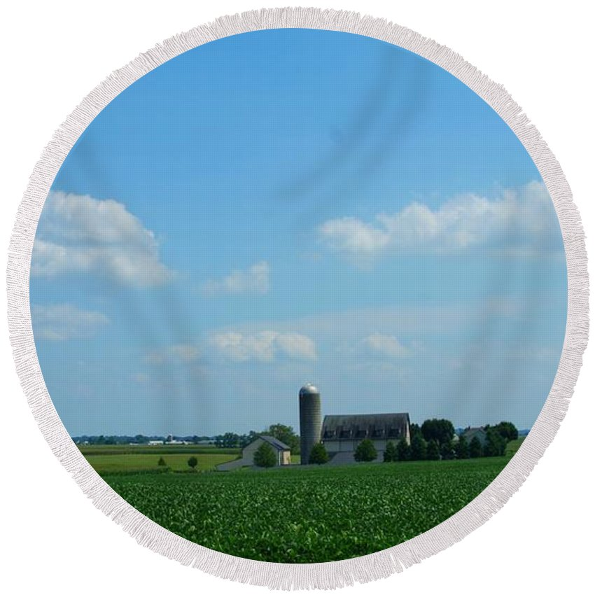 Barn Round Beach Towel featuring the photograph Taylors Farm by Rob Luzier