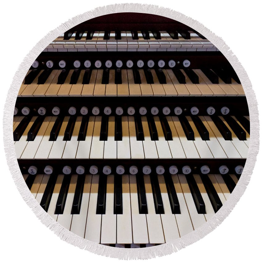 Organ Round Beach Towel featuring the photograph Teeth Of An Instrument by Jenny Setchell