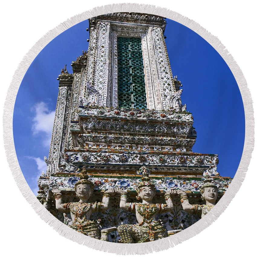 Wat Arun Round Beach Towel featuring the photograph Temple Of Dawn Tower by Sally Weigand