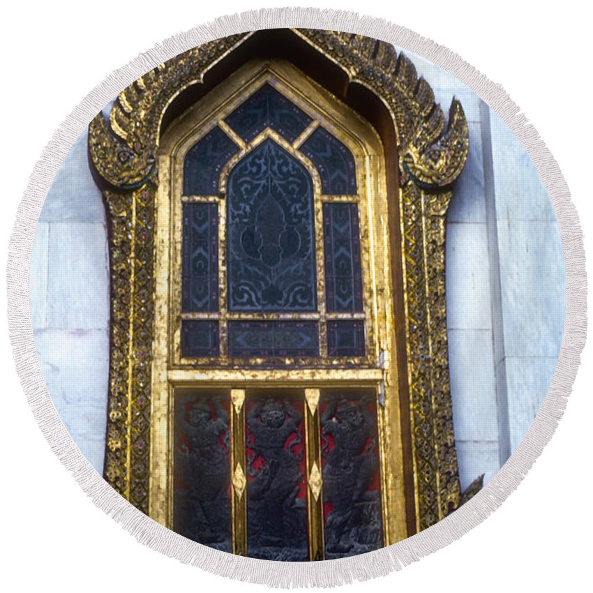 Temple Temples Window Ornate Windows Bangkok Thailand Architecture Place Places Of Worship Round Beach Towel featuring the photograph Thai Temple Window by Bob Phillips