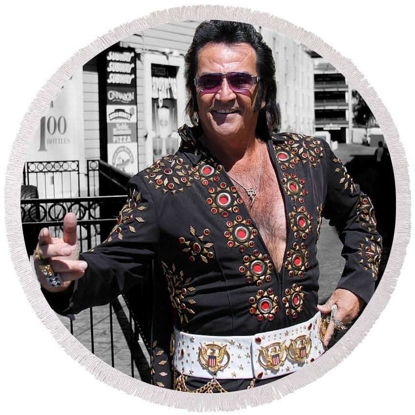 Elvis Round Beach Towel featuring the photograph Thankyouverymuch Las Vegas by William Dey