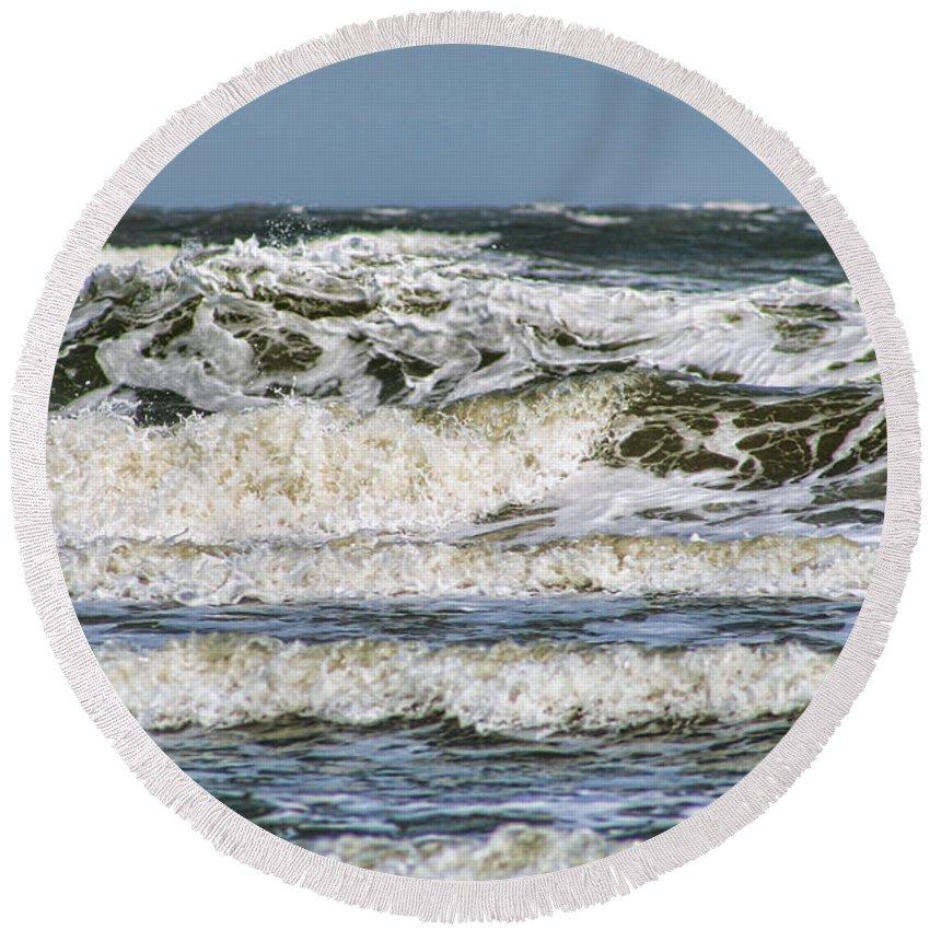 Atlantic Ocean Round Beach Towel featuring the photograph The Atlantic Ocean At Sullivan's Island by Kathy Clark