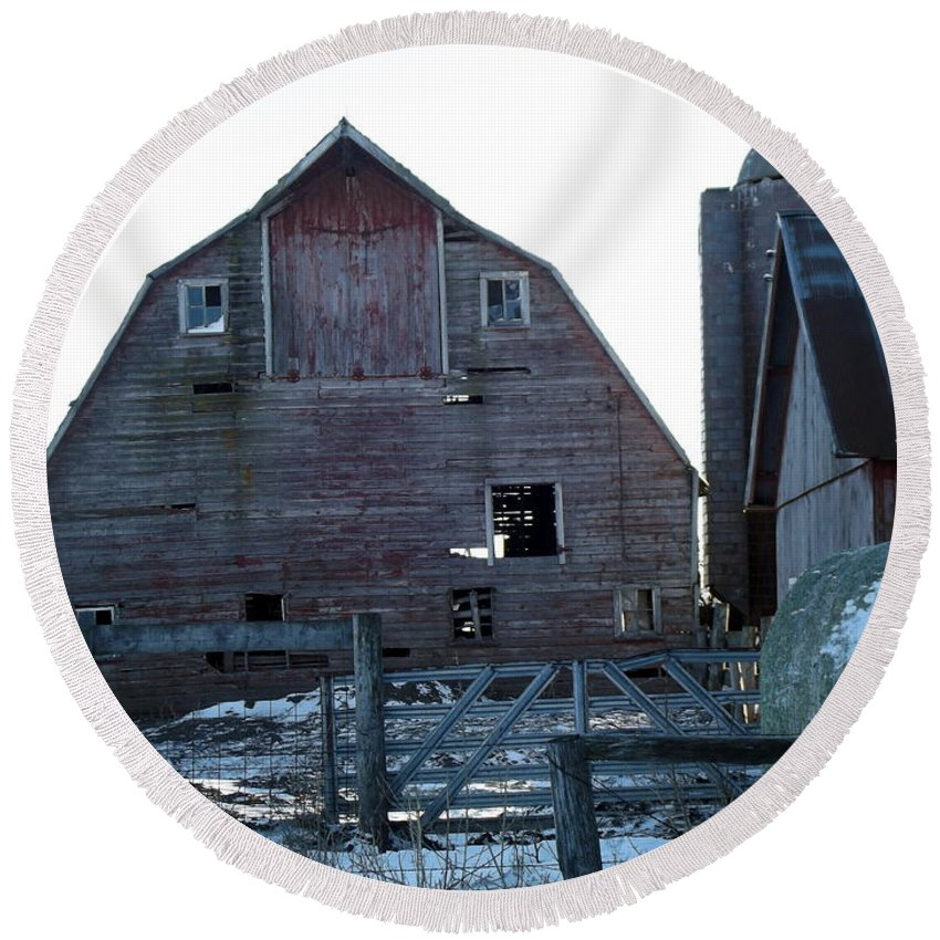 Barn Round Beach Towel featuring the photograph The Barn 3 by Bonfire Photography
