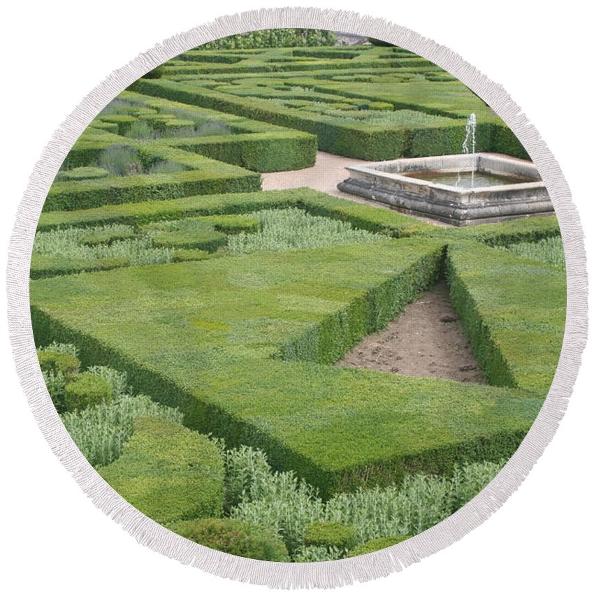 Boxwood Round Beach Towel featuring the photograph The Boxwood Garden At Chateau Villandry by Christiane Schulze Art And Photography