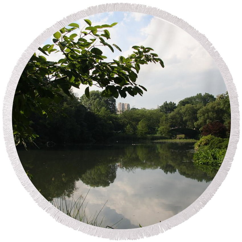 Pond Round Beach Towel featuring the photograph The Central Park Pond by Christiane Schulze Art And Photography