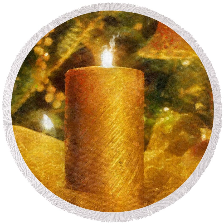 Candle Round Beach Towel featuring the photograph The Christmas Candle by Lois Bryan