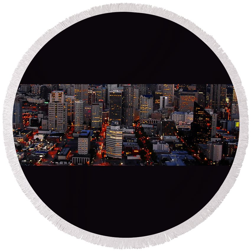 Concrete Jungle Round Beach Towel featuring the photograph The Concrete Jungle by David Lee Thompson