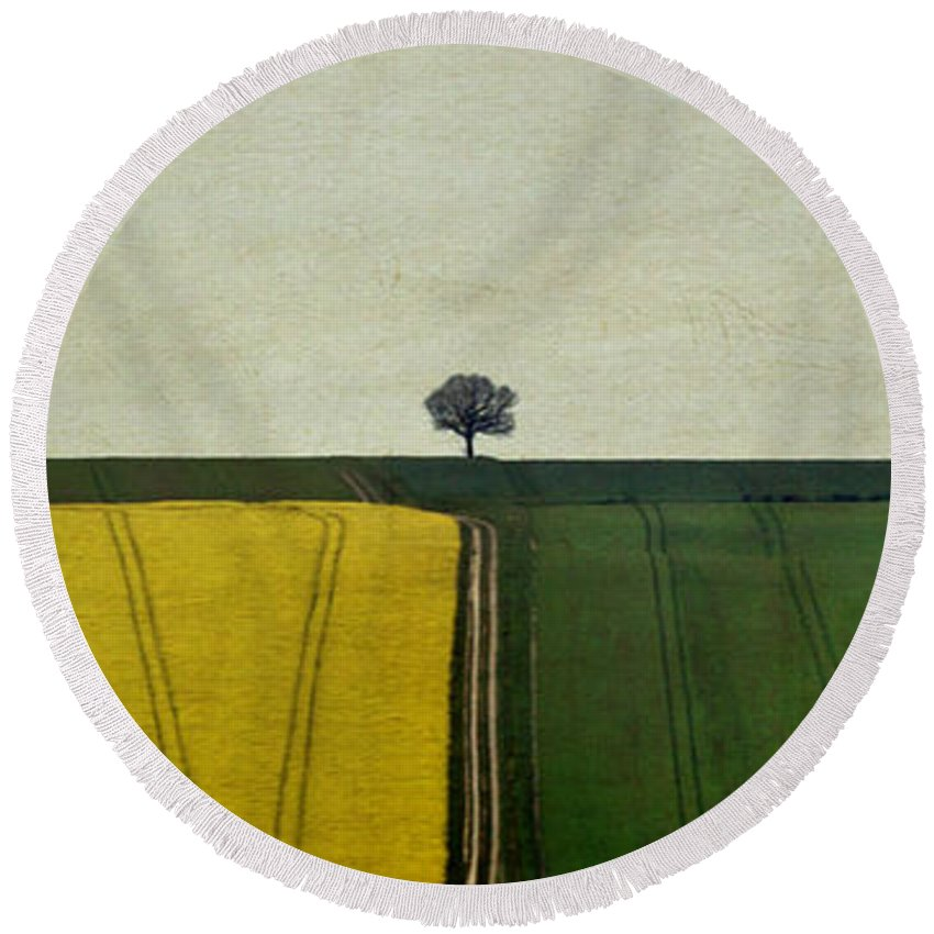 Yorkshire Round Beach Towel featuring the photograph The Dimensionless Monologue by Evelina Kremsdorf