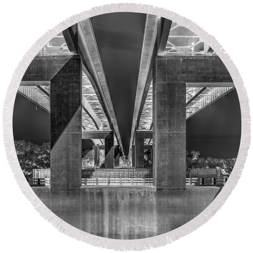 Bridges Round Beach Towel featuring the photograph The Elevated Freeway by Jim Thompson