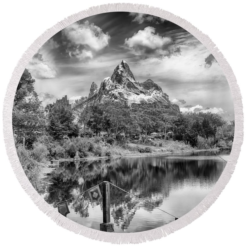 Hdr Round Beach Towel featuring the photograph The Everest Roller Coaster by Howard Salmon