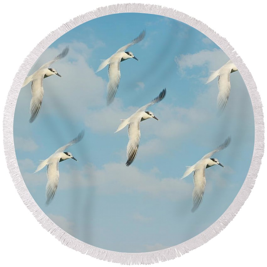 Seagull Round Beach Towel featuring the photograph The Flight by Kim Hojnacki