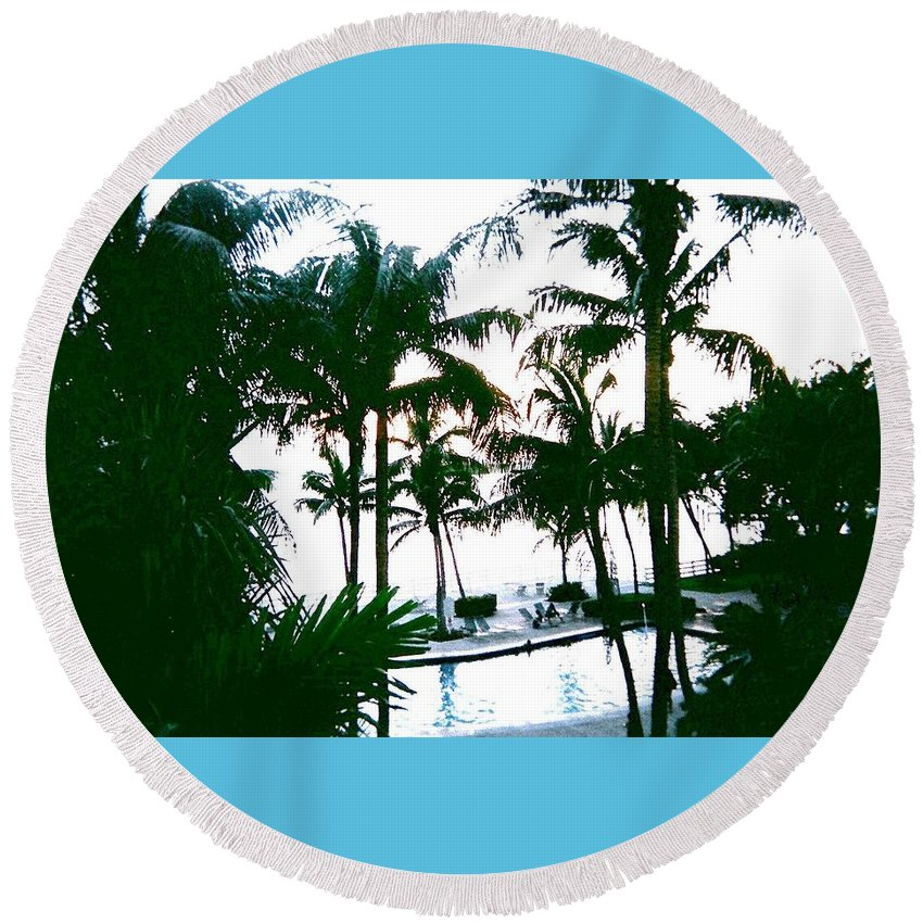 Palm Trees Round Beach Towel featuring the photograph The Good Life by Suzanne Berthier
