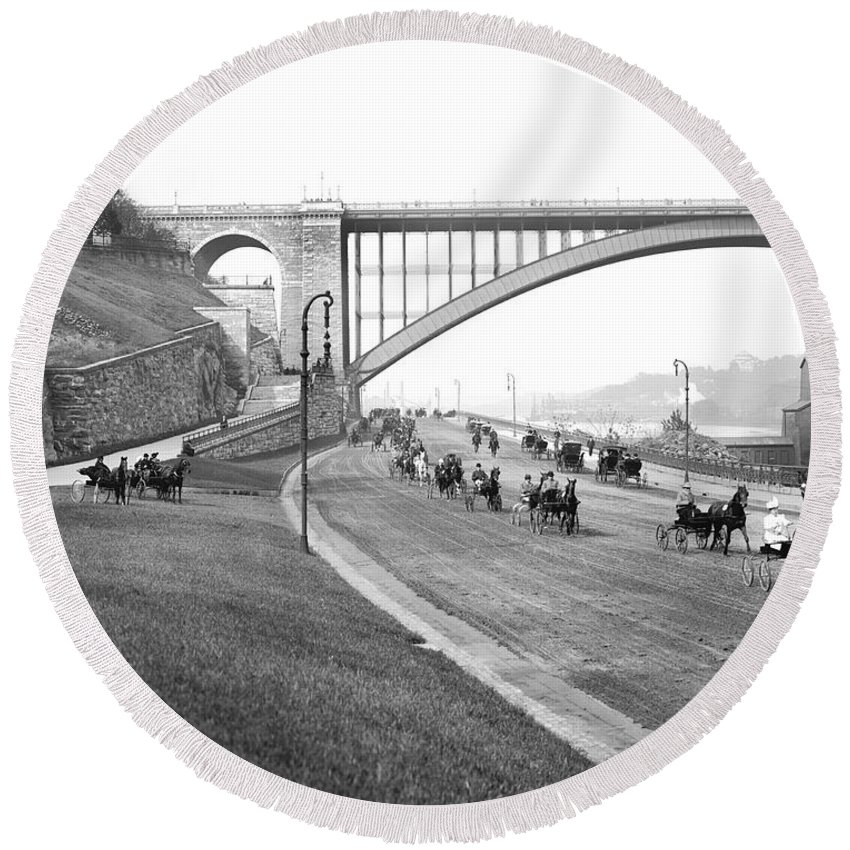 1905 Round Beach Towel featuring the photograph The Harlem River Speedway by Detroit Publishing Company