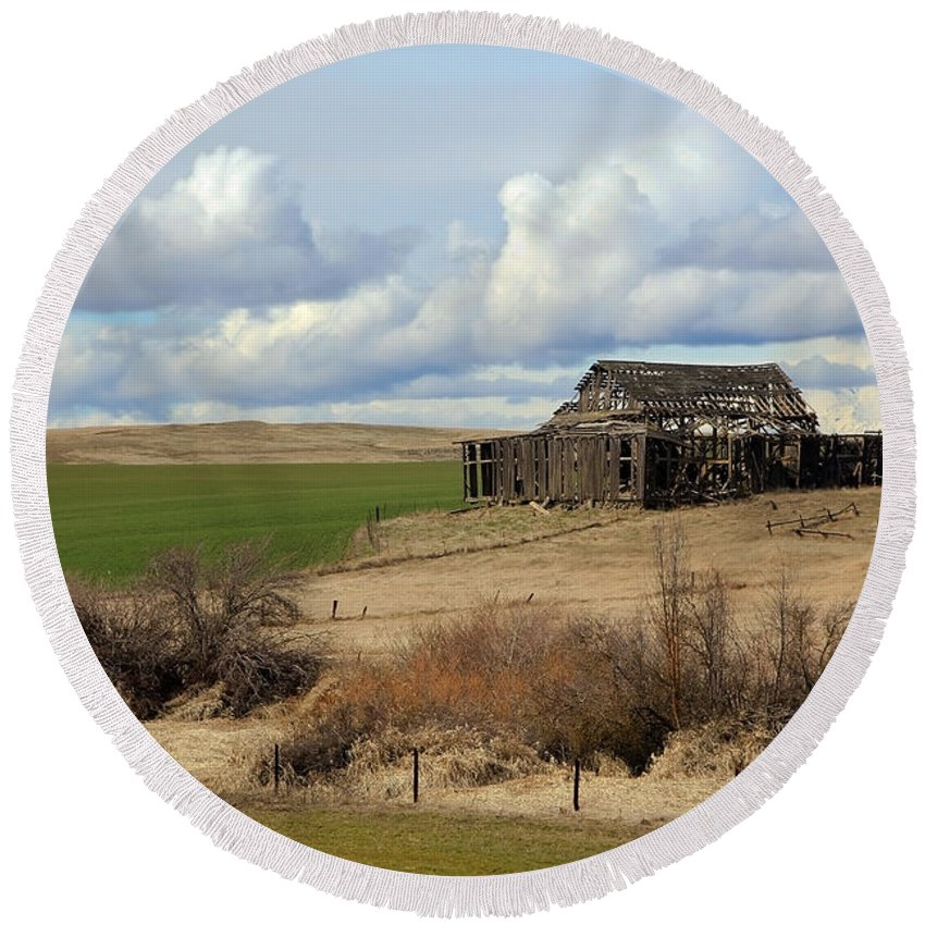 Barn Round Beach Towel featuring the photograph The Last Remains by Athena Mckinzie