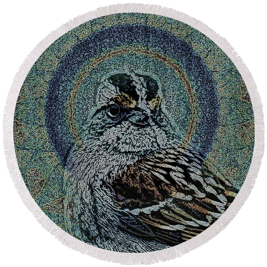 Birds Round Beach Towel featuring the photograph The Majesty Of Lil Things 1 Wd by Dale Crum